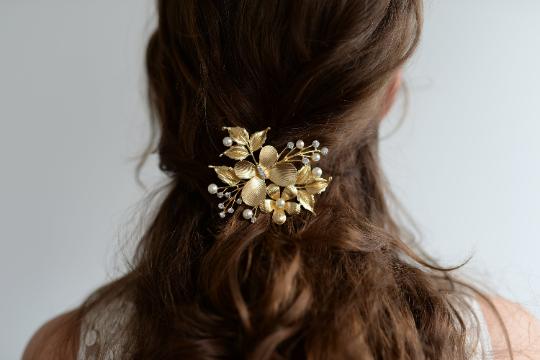 Haarschmuck Goldener Haarclip Mit Schmetterling Blüten Und Blätter Das Highlight Kleine Zierperl